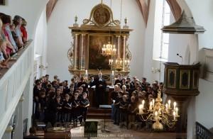 Pfarrer Andreas Illgen hält die Predigt und erteilt Chor und Gemeinde den Segen Gottes
