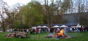 Osterfeuer im Schlosspark