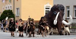 Zurück in die Eiszeit - ein Mammut streift durch Colditz