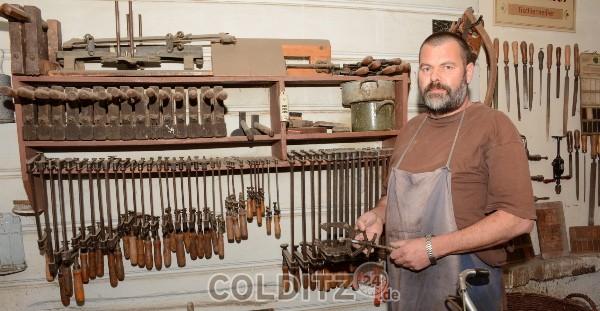 Christoph Schneider zeigt alles rund um das  historische Tischlerhandwerk