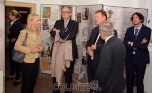Rundgang durch die Ausstellung, erläutert von Bernd Karwen (PIL)