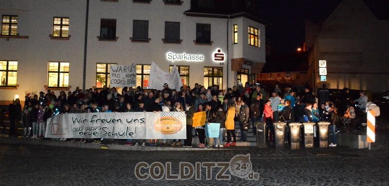 Mahnwache vor dem Colditzer Rathaus
