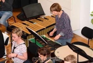 Ein  kleines Orchester mit einer Vielzahl von Instrumenten