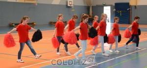 Die Mädels vom Turnverein zeigen, wie man sich bewegen kann
