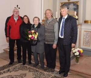 Gemeinsames Bild vor dem Altar