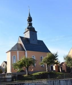 Blick auf die restaurierte Kirche