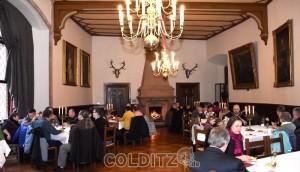 Kaffee und Kuchen im Rittersaal