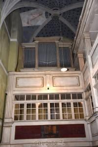 Die Orgel - noch immer eine Attrappe