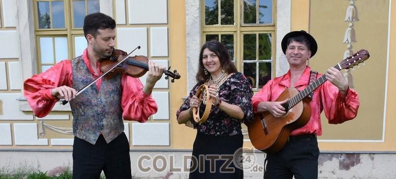 Das Trio Sascha, Valeriya und Oleg (v.l.n.re.)
