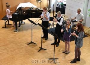 Die Absolventen spielen Titel der verschiedensten Stilrichtungen, auch ohne Dirigenten