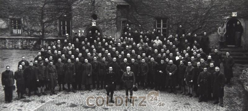 Französische Gefangene im Schlosshof