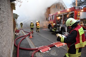 Brandbekämpfung von der Rückseite aus