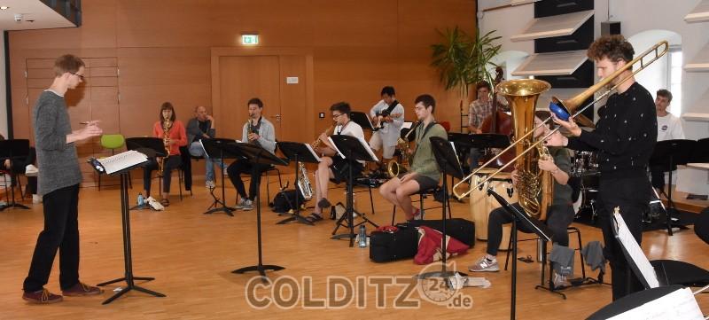 Das Jugend-Jazzorchester Sachsen probt in der Landesmusikakademie