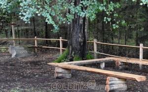 Gedenkstein an die 800jährige Herrschaft der Wettiner im Thümmlitzwald