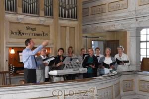 Der Kirchenchor vor der Zschirlaer Orgel